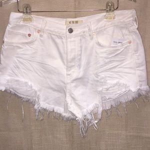 Free People  Vibrations White Jean Shorts (367)